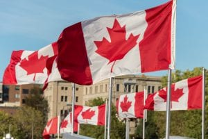 Xklđ Canada lương bao nhiêu?