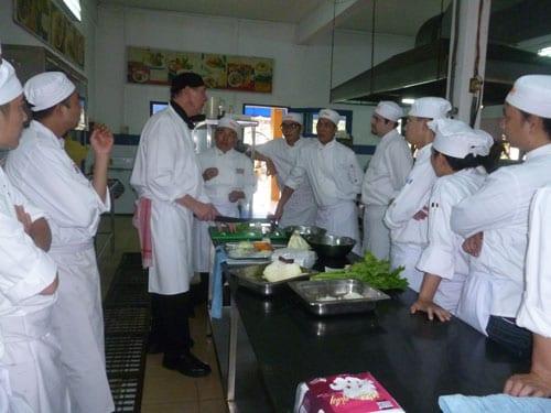 Ngành đầu bếp mang lại mức thu nhập cao cho người lao động phổ thông