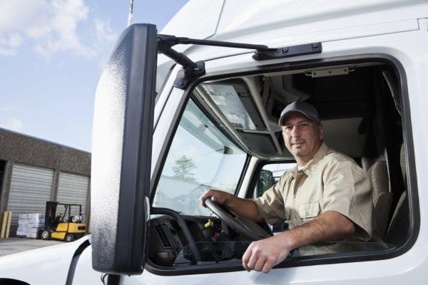 Tài xế xe tải là ngành nghề định cư tại Canada dễ dàng.