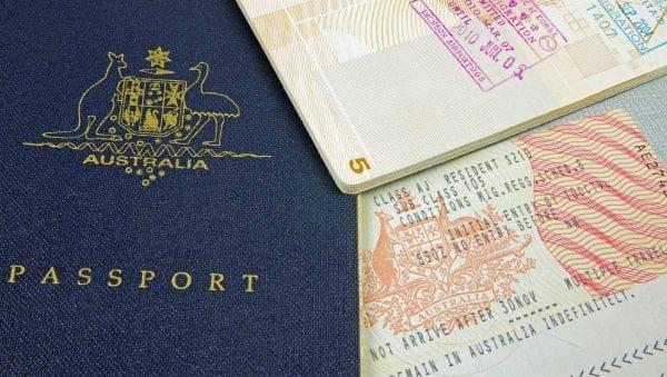 Chuẩn bị hồ sơ xin cấp visa