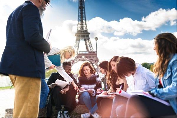 Pháp còn là điểm đến lý tưởng của nhiều học sinh, sinh viên