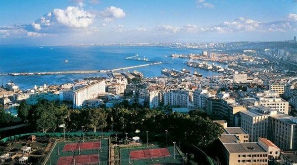 Làm việc tại Algeria