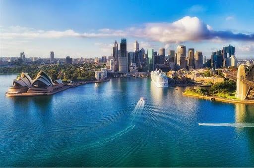 Người lao động có cơ hội nhận được mức lương cao khi làm việc tại Úc
