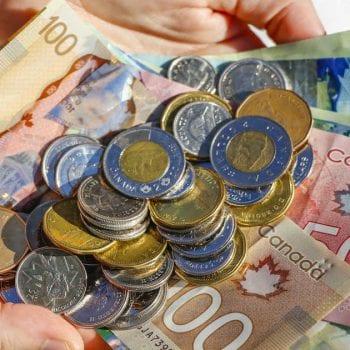 tiền canada