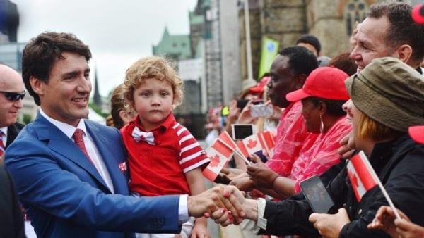 review con người Canada