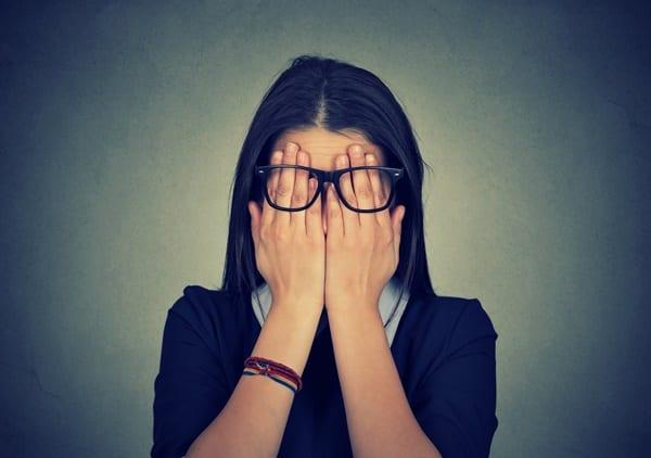 Cận thị có thể ảnh hưởng đến việc tìm đơn hàng xklđ