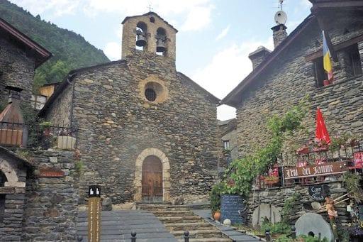 Sở hữu visa Úc đừng bỏ qua chuyến du lịch đến với vương quốc núi xanh Andorra