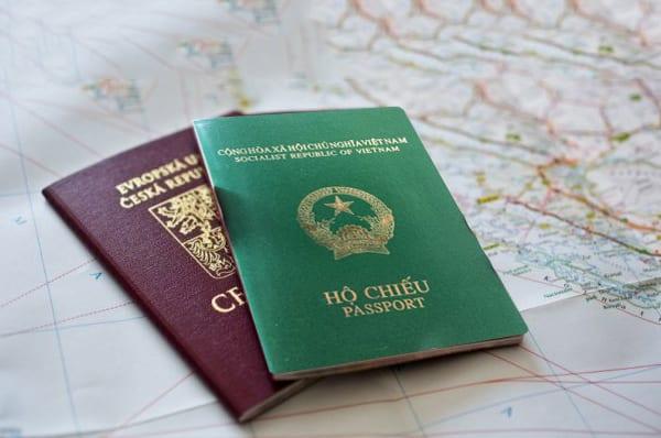 Passport trắng không được cấp visa du lịch Canada