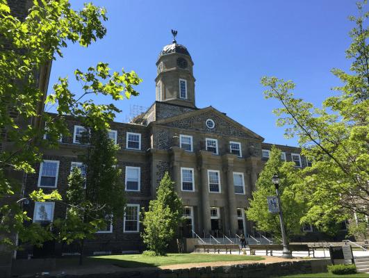 Trường Dalhousie University
