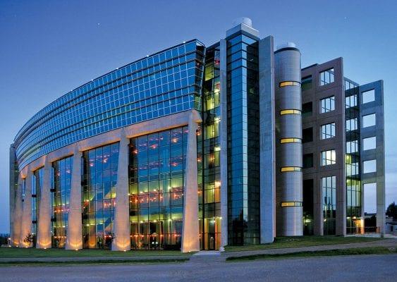 Dalhousie University là trường đại học học lâu đời nhất ở Canada