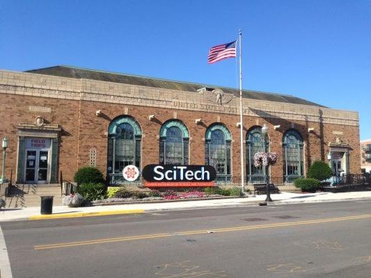 Bảo tàng Scitech là nơi trưng bày các tác phẩm về khoa học, viễn tưởng