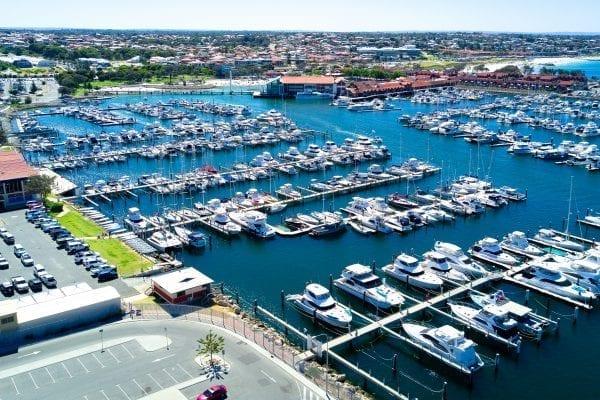 Cảng thuyền Hillarys là bến du thuyền rộng lớn ở Úc