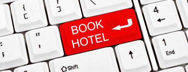 Để có thể đặt phòng khách sạn giá rẻ bạn nên đặt qua online trước 1 đến 2 tháng
