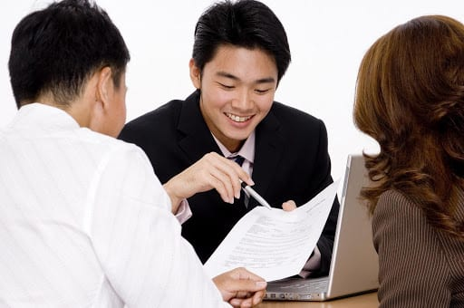 Điều kiện đối với người bảo lãnh cần biết