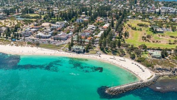 Cottesloe là bãi biển được yêu thích nhất ở Úc