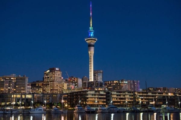 Tòa tháp Sydney Tower cao 305m