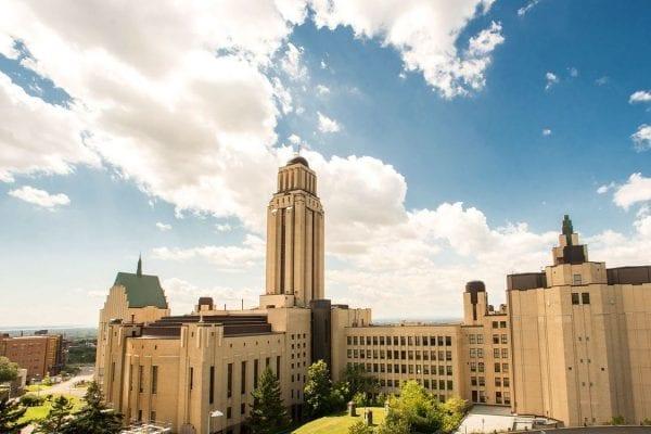 Montreal University là ngôi trường lớn thứ 2 tại Canada