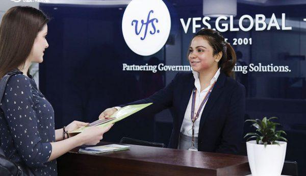 Trước khi nộp hồ sơ công dân cần đặt lịch hẹn với VFS Global