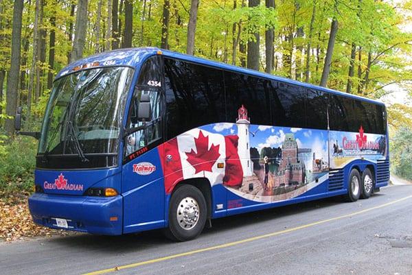 Xe buýt là phương tiện giao thông phổ biến tại tỉnh Alberta, Canada