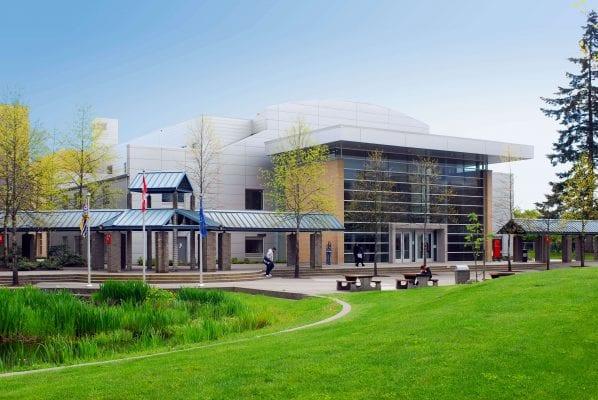 Trường Kwantlen Polytechnic cung cấp hơn 135 chương trình đào tạo