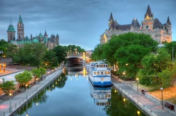 Quebec có khí hậu 4 mua rõ rệt
