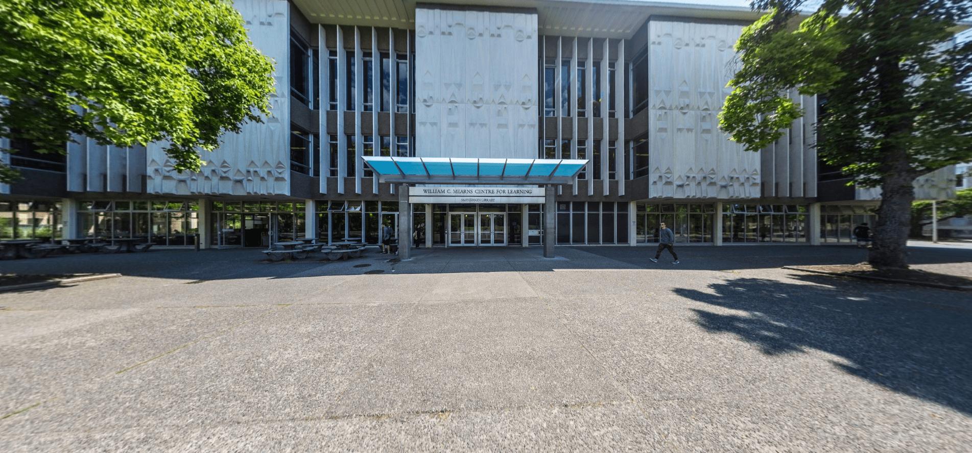 Đại học Victoria Canada được đánh giá là ngôi trường chất lượng nhất ở Canada