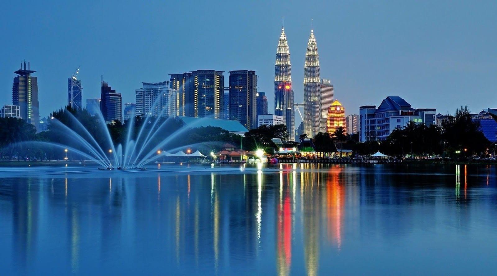 so sánh kinh tế việt nam và malaysia, gdp của malaysia 2020, gdp malaysia năm 2020, malaysia kinh tế, báo malaysia nói về kinh tế việt nam, so sánh malaysia và việt nam, so sánh việt nam và malaysia, gdp của malaysia, gdp malaysia 2019