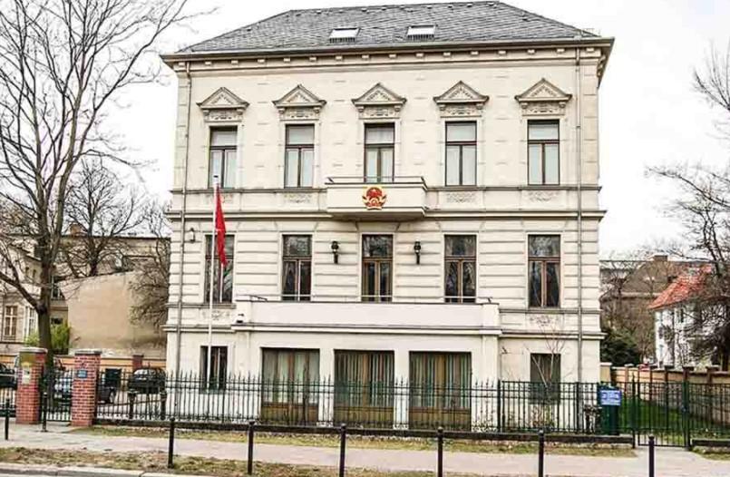 đại sứ quán việt nam tại đức, đại sứ quán vn tại đức, lãnh sự quán việt nam tại đức, đại sự quán việt nam tại đức frankfurt, đại sứ quán việt nam tại berlin, đại sứ quán việt nam tại frankfurt, đại sứ quán việt nam tại đức frankfurt, đại sứ quán việt nam ở đức, đại sứ quán việt nam tại đức berlin, đại sứ quán vietnam tại đức, đại sứ quán việt nam tại chlb đức, đại sứ quán việt nam tại đức đóng cửa, đại sứ quán việt nam tại đức tuyển dụng, email đại sứ quán việt nam tại đức, địa chỉ đại sứ quán việt nam ở đức, trang web đại sứ quán việt nam tại đức, tổng lãnh sự quán việt nam tại đức, đại sứ quán việt nam tại đức bị trục xuất, đại sứ quán việt nam tại đức đổi hộ chiếu, giờ làm việc đại sứ quán việt nam tại đức, lịch làm việc đại sứ quán việt nam tại đức, giờ mở cửa đại sứ quán việt nam tại đức, số điện thoại đại sứ quán việt nam tại đức,